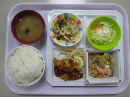 仙台 宮城県庁食堂 日替わり(イカの旨塩炒め+黒酢鶏)
