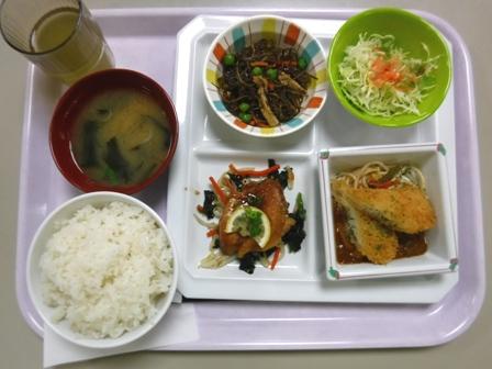 仙台 宮城県庁食堂 烏賊フライカレーソースと照り焼きチキン
